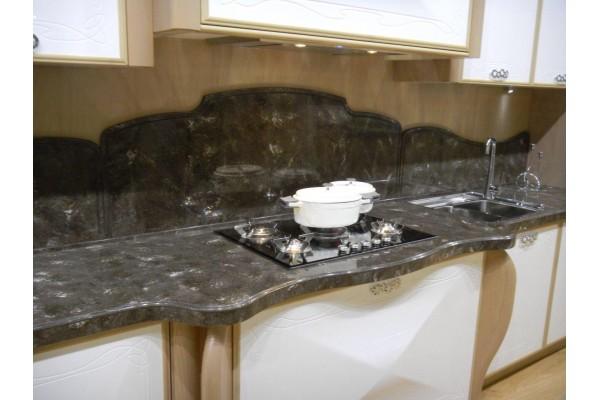 Фигурный кухонный фартук из искусственного камня Corian