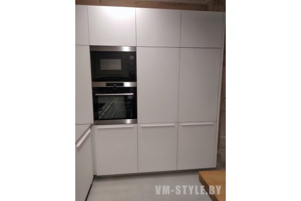Белая матовая кухня из МДФ