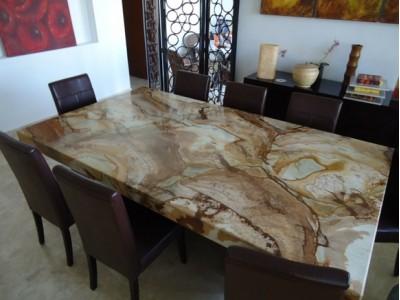 Кухонные столы из камня