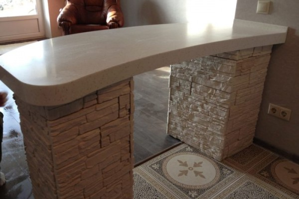 Барная стойка из акрилового камня Staron 1100х600